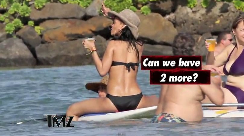rihanna-hawaii-stand-up-paddle1