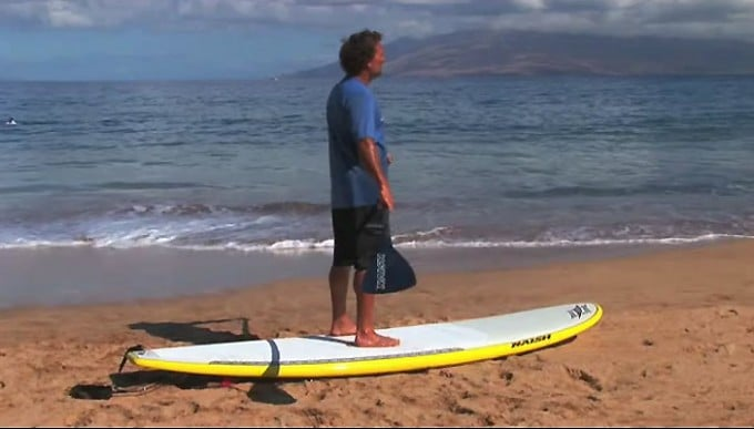 se-lever-en-stand-up-paddle