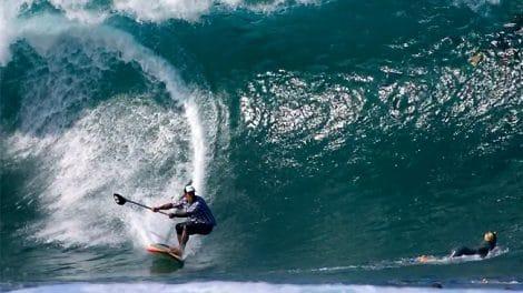 Ikaika Kalama, l'Hawaiien qui maitrise le stand up paddle !