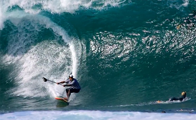 Ikaika Kalama, l'Hawaiien qui maitrise le stand up paddle !