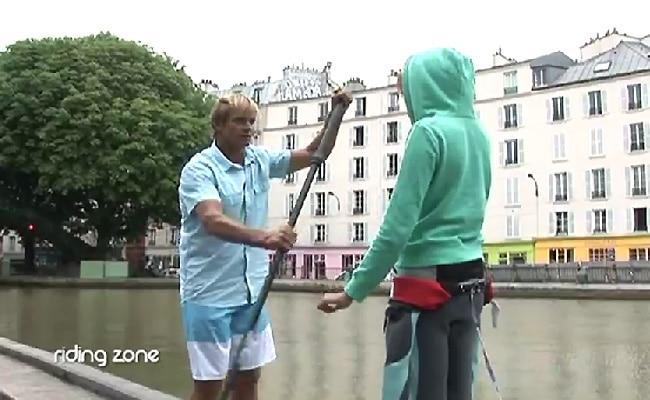 Laird Hamilton donne une leçon de Stand Up Paddle sur le canal Saint Martin !