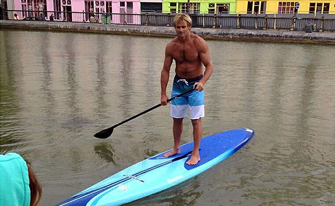 News ! Laird Hamilton en Stand Up Paddle à Paris !