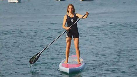 Voici quelques fondamentaux à connaitre pour ramer efficacement en stand up paddle quand on débute avec en prime une vidéo en français