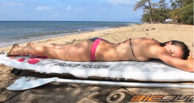 Le team féminin Bic Sport Paddle Surf, en action à Maui