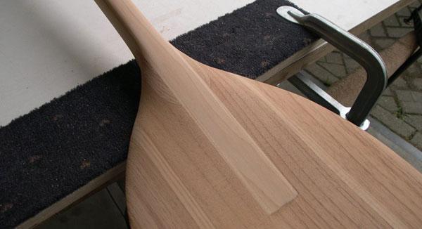 hilman stand up paddle paddles une rame en bois. Black Bedroom Furniture Sets. Home Design Ideas