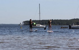 Stand Up Paddle Academy au bord du lac Moutchic de Lacanau