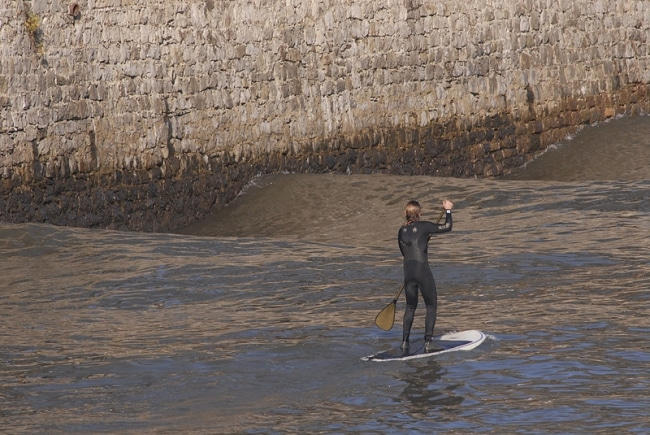 Faire du stand up paddle sur le Rio Urumea à Saint Sébastien