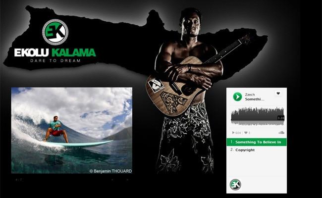 Ekolu Kalama un stand up paddle rider chanteur !