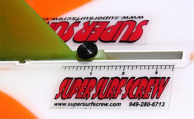 Super Surf Screw visse pratique et rapide d'aileron !