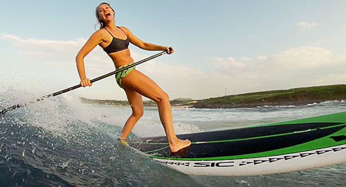 Talia & Tehani, surftrip stand up paddle entre filles