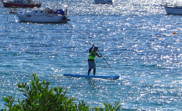 travis-grTravis Grant chez NSP en stand up paddle beach raceant-nsp-stand-up-paddle-beach-race-2