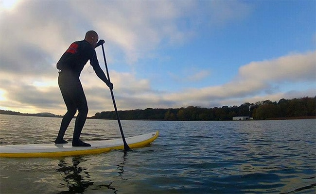 Comment ramer le plus droit possible en stand up paddle