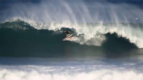 Surf stand up paddle avec Keahi Aboitiz en Indonésie
