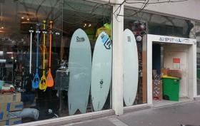 """L'incontournable stand up paddle shop sur Paris """"Au spot"""""""