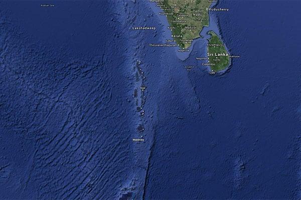 maldives stand up paddle