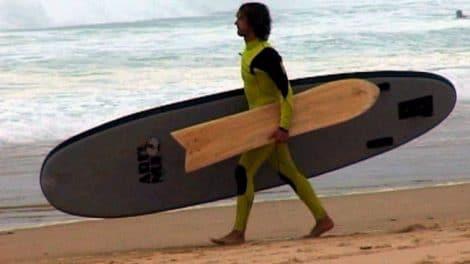 Fred Compagnon combine le stand up paddle avec l'alaia