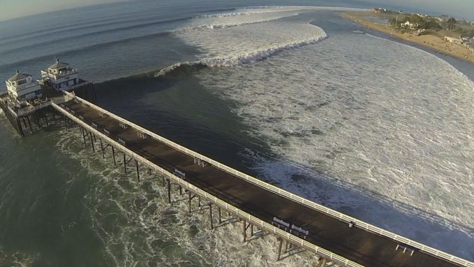 Big Wednesday Malibu avec laird Hamilton et un drone !
