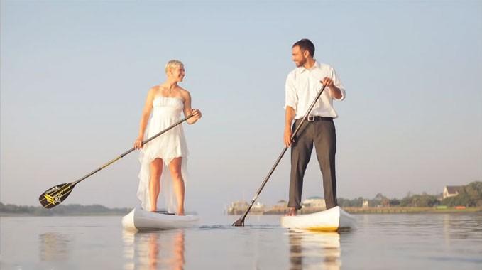Shooting photo de mariage avec des stand up paddle