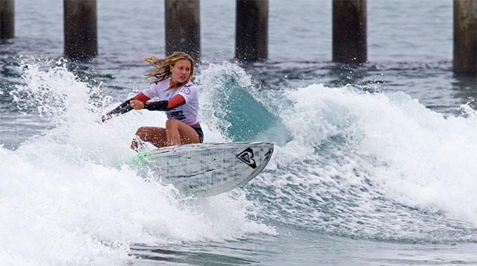 Vidéo stand up paddle de la championne sexy Izzi Gomez