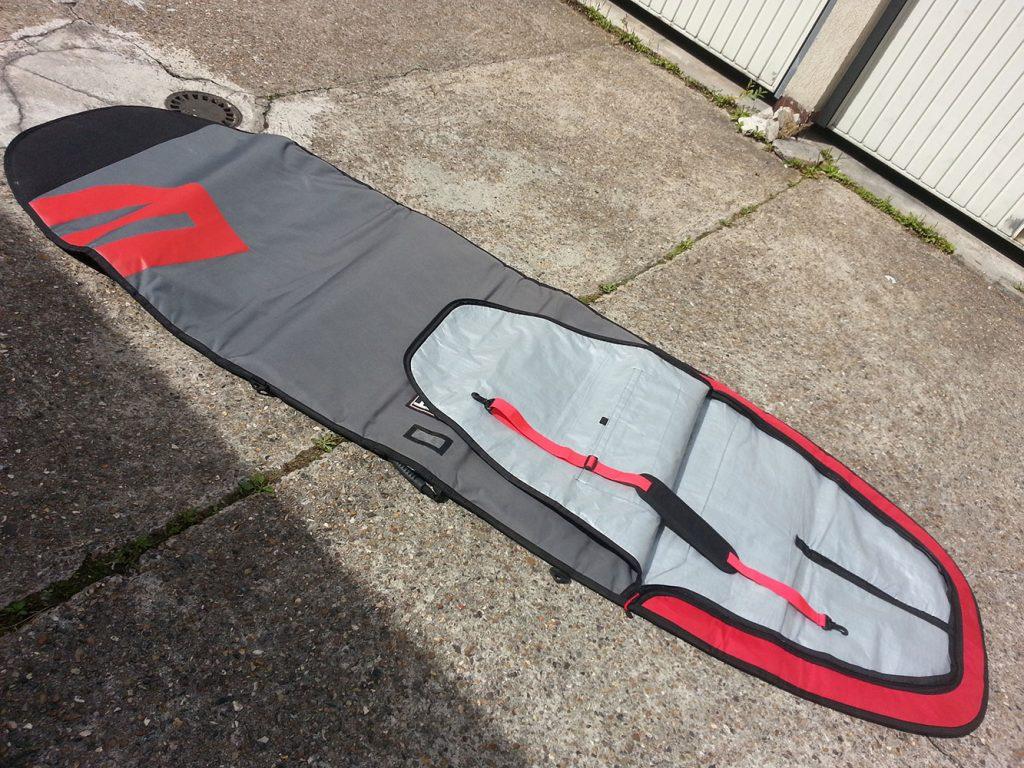 Howzit propose des housses spécialement pour le stand up paddle