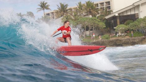 Caroline Angibaud s'impose à Turtle Bay en stand up paddle