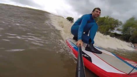 Vidéo mascaret Severn ways to ride a river