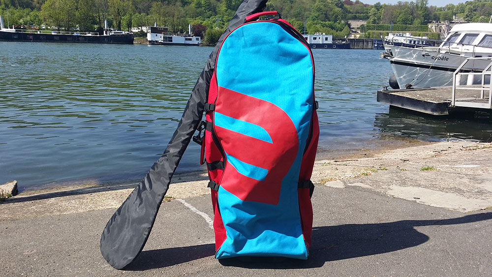 On a testé le sac de stand up paddle Rolling Backpack Howzit