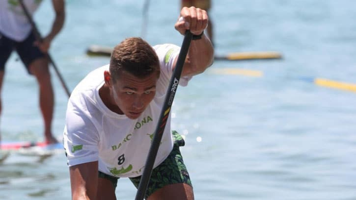 Arthur Arutkin sur le podium des World Series de SUP Race