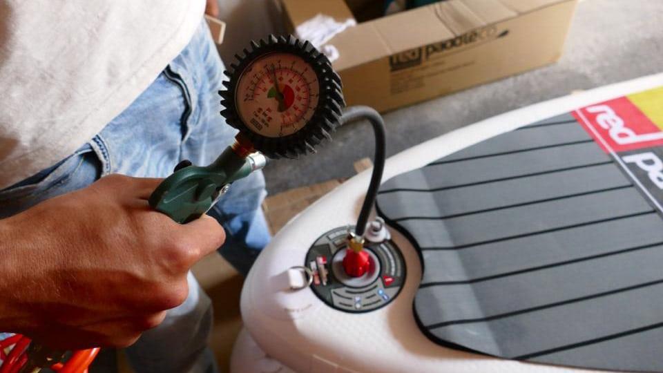 Red Paddle Adaptateur pour sup gonflable et compresseur