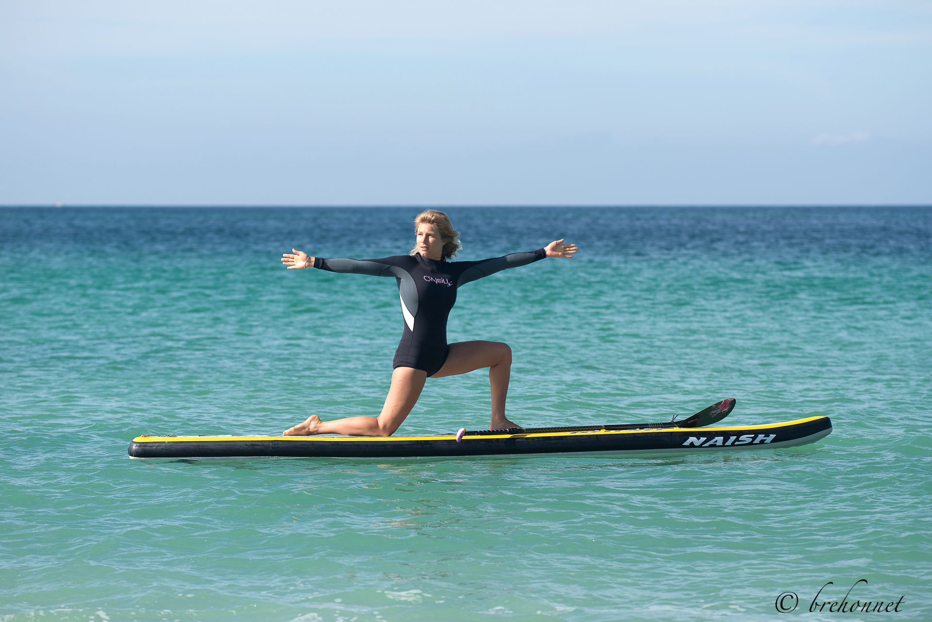 stand-up-paddle-fitness-yoga-sarah-hebert-1