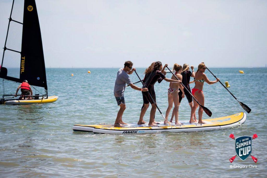 Trois Miss France en stand up paddle à la Summer Cup de la Baule