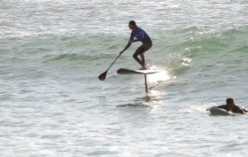 Stand up paddle foil session avec Bruno André