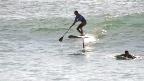 Stand up paddle foil session avec Bruno André