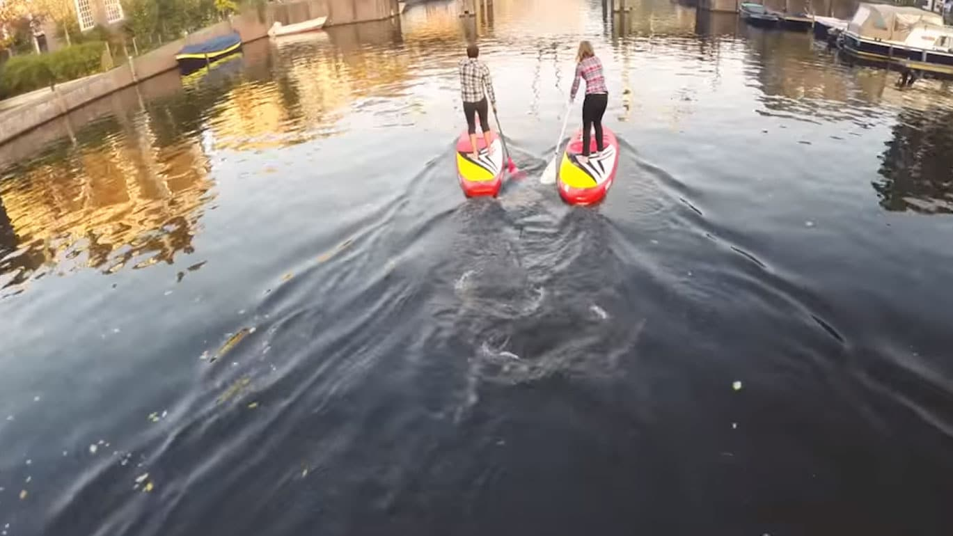 Sroka stand up paddle boarding à Amsterdam