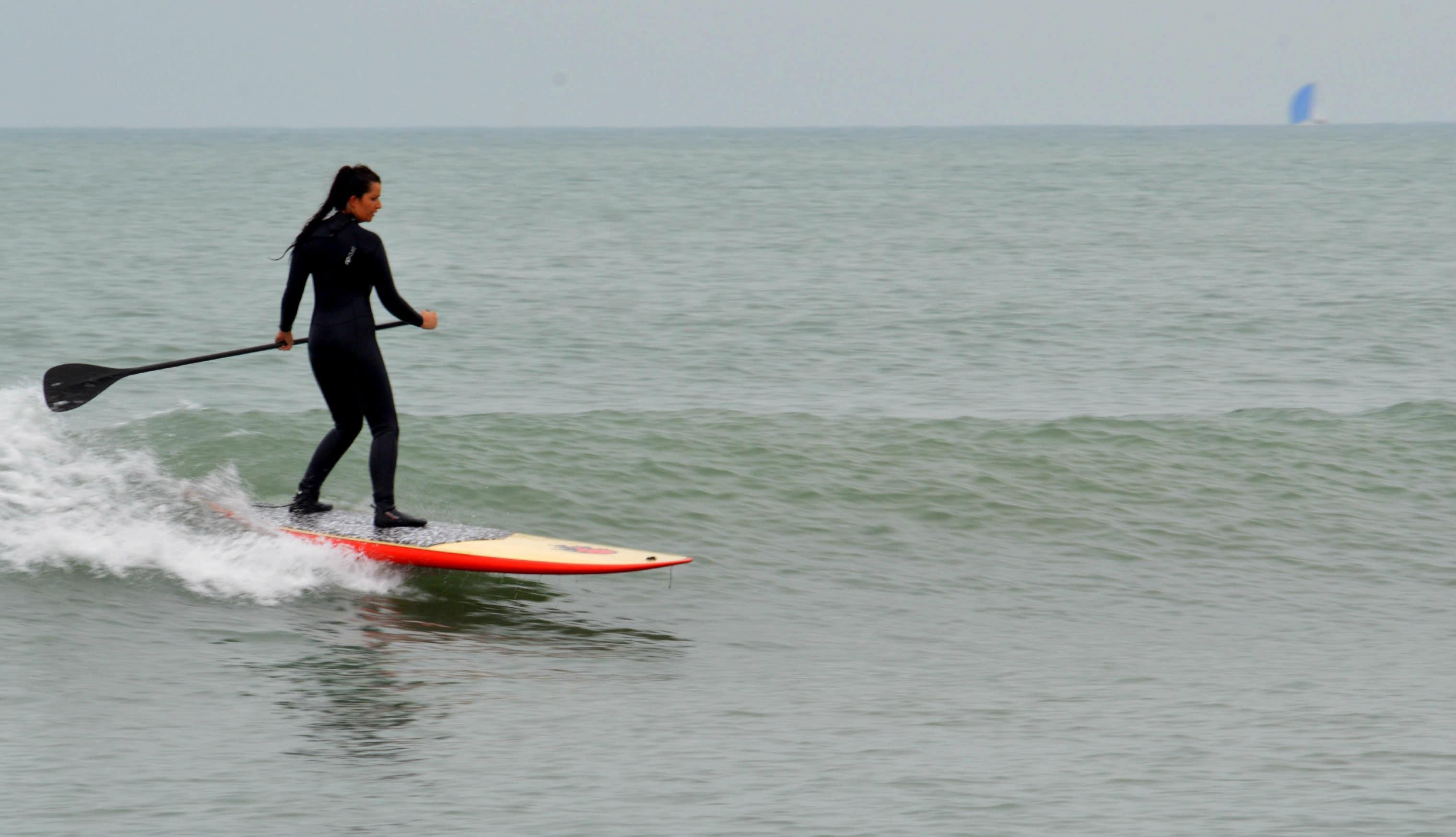 Lilou teste pour nous des stand up paddle Gong