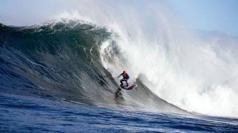 Charger de grosses vagues en sup c'est possible !