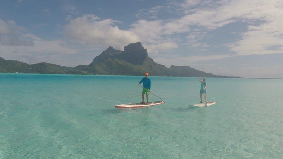 Stand up paddle dans le lagon de Bora Bora