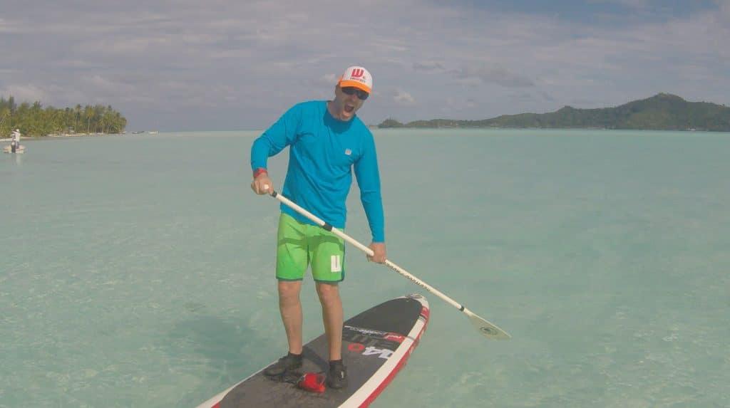 Cet été habillez-vous en Howzit sur votre paddle