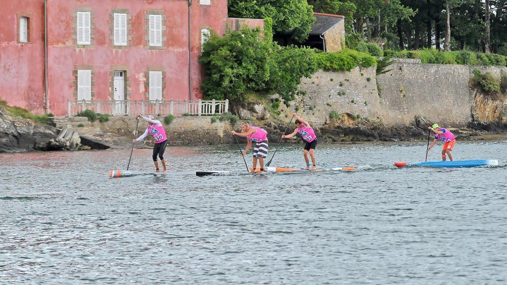 Découvrez qui se cache derière 3 Bay Paddle Sup
