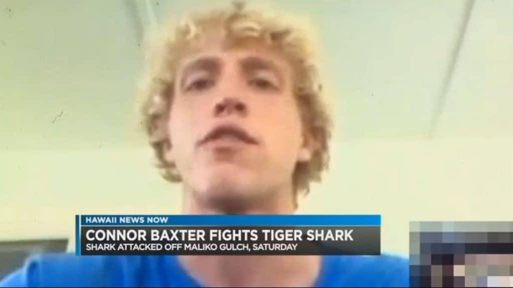 Connor Baxter attaqué par un requin en sup foil