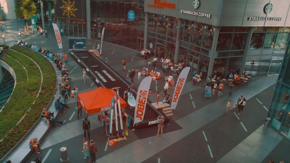 Jobe Sport propose du stand up paddle en piscine et en pleine ville !