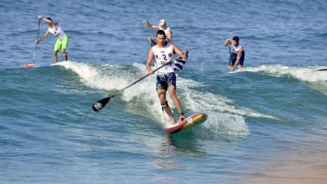 Arthur Arutkin remporte une beach race d'anthologie à Hossegor