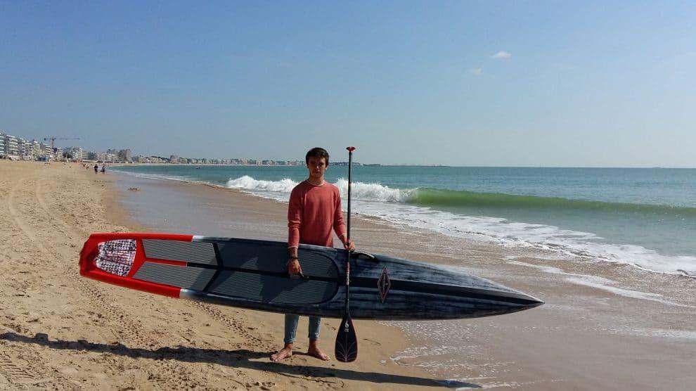 Notre Team rideur Antoine de Sup Passion vous présente le stand up paddle race proposé par GONG SUP, la Rage Pro 12'6 x 24''