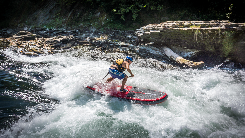 Stand up paddle en eau vive sur le Gave d'Oloron