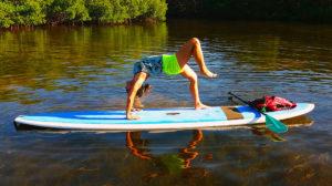 Le stand up paddle yoga, le sport phénomène de cet été 2018