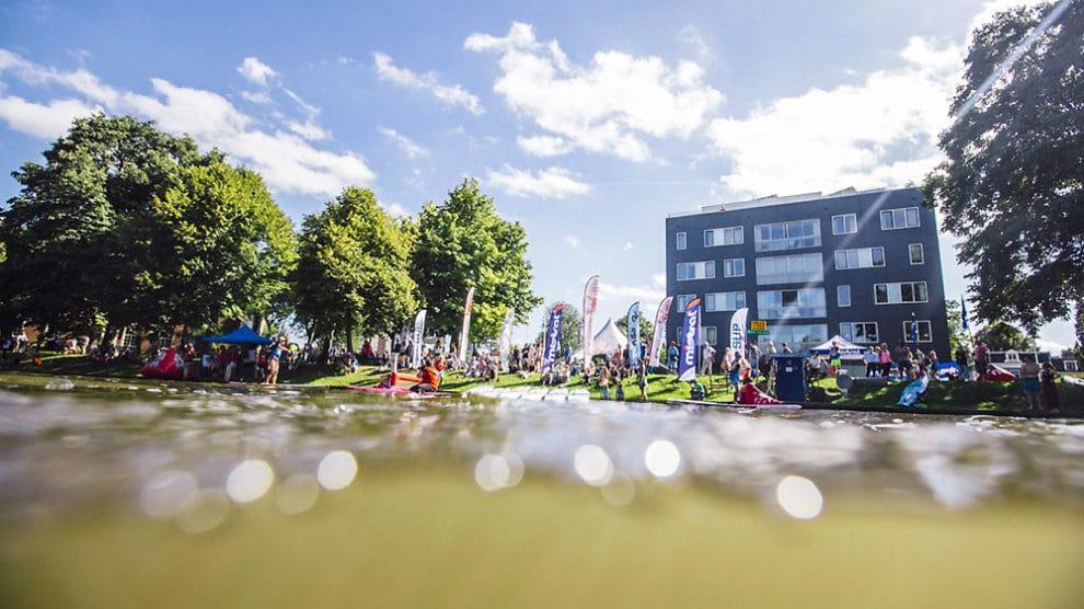 Battre le record du monde de plus de 1000 stand up paddle