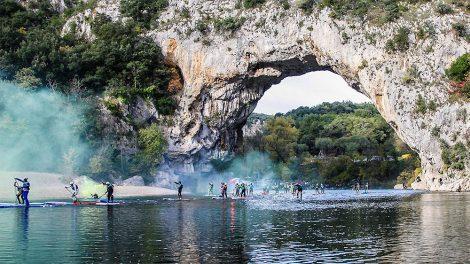 Sup'Air Ardèche stand up paddle race à Vallon Pont d'Arc