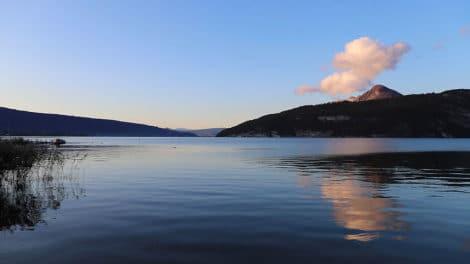 Les plus beaux lacs pour le stand up paddle